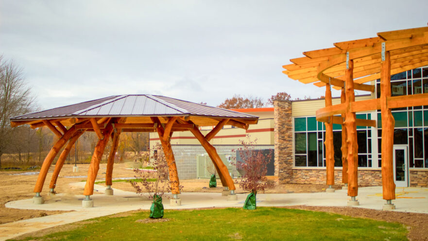 Pokagon_Moon_Pavilion_Round_Timber_Curved_Shade_Structure